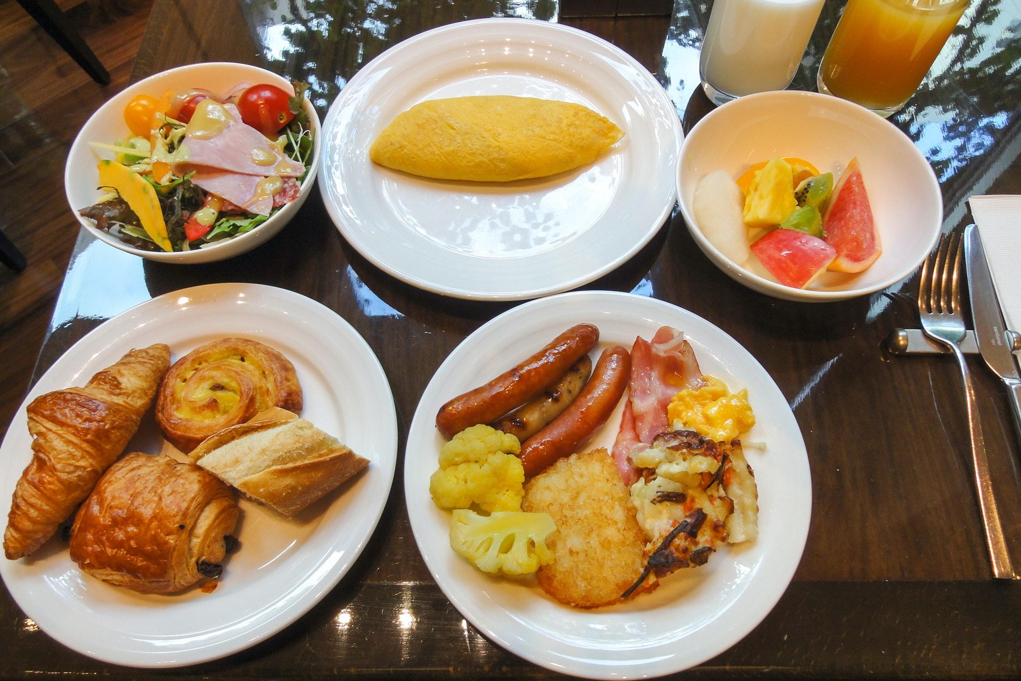 Hotel Niwa Tokyo Breakfast Buffet 20131028 001